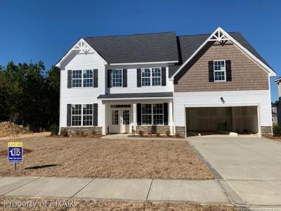 Fayetteville Single Family Home For Sale: 1912 Carriage House Lane