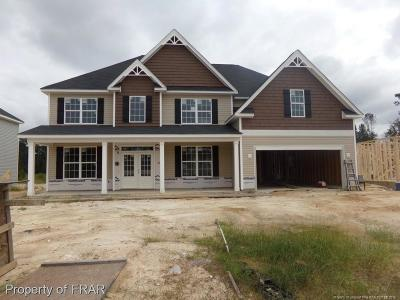 Fayetteville Single Family Home For Sale: 1401 Draw Bridge Lane
