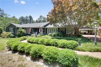 Fayetteville Single Family Home For Sale: 2006 Pinewood Terrace