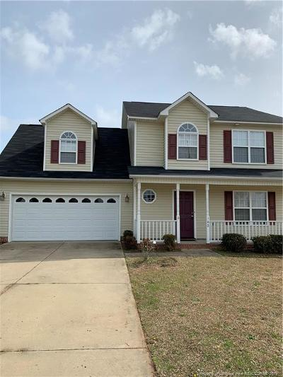 Raeford Single Family Home For Sale: 102 Scaley Bark Drive
