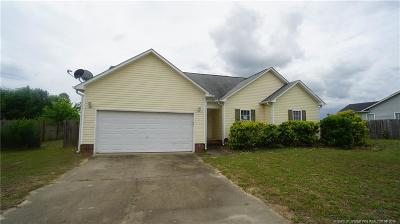 Raeford  Single Family Home For Sale: 204 Kendall Court
