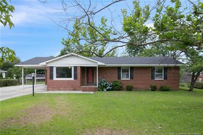 Fayetteville Single Family Home For Sale: 1208 Cullen Drive