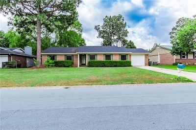 Fayetteville Single Family Home For Sale: 6745 Weeping Water Run