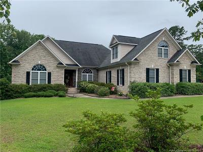 Fayetteville Single Family Home For Sale: 3325 King James Lane