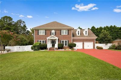 Fayetteville Single Family Home For Sale: 616 Ravencroft Court