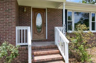 Fayetteville Single Family Home For Sale: 802 Whispering Pines Road