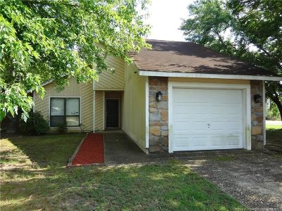 Cumberland County Single Family Home For Sale: 6997 Candlewood Drive