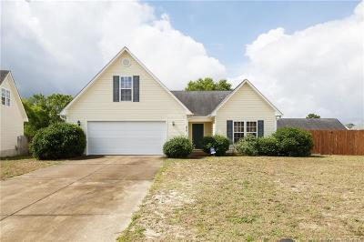 Hope Mills Single Family Home For Sale: 3713 Languid Court