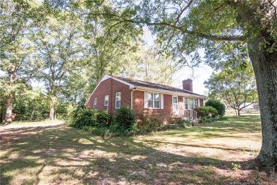 Moore County Single Family Home Active Under Contract: 1292 Us Highway 1
