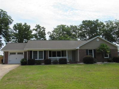 Raeford Single Family Home For Sale: 335 Woodberry Circle