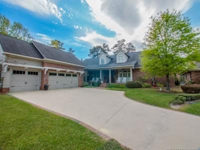 Fayetteville Single Family Home For Sale: 909 Calamint Lane