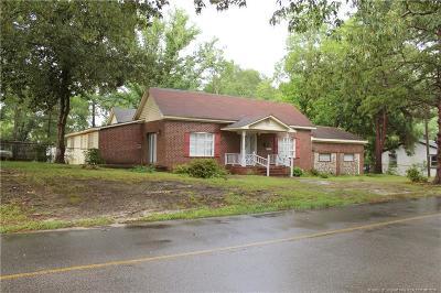 Hoke County Single Family Home For Sale: 424 W 5th Avenue