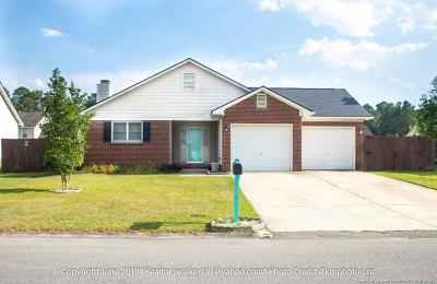 Hope Mills Single Family Home For Sale: 5433 Ahoskie Drive