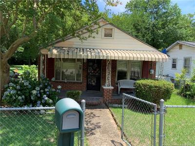 Fayetteville Single Family Home For Sale: 615 Deep Creek Road