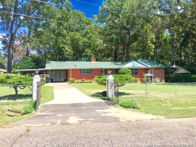 Fayetteville Single Family Home For Sale: 4344 Lakeside Drive