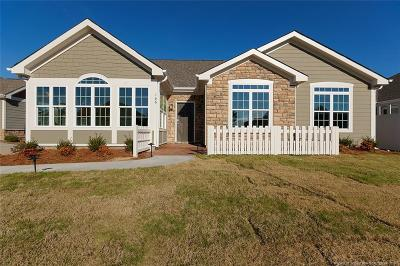 Fayetteville Single Family Home For Sale: 166 Nandina Court