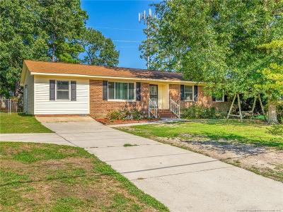 Fayetteville Single Family Home For Sale: 124 Old Gate Road