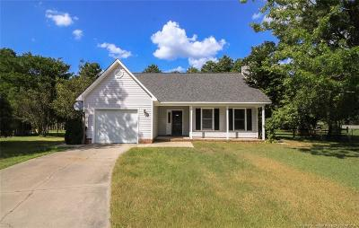 Raeford Single Family Home For Sale: 104 Rosewood Court