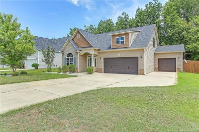 Fayetteville Single Family Home For Sale: 1813 Shady Knoll Lane