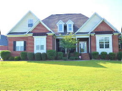 Fayetteville Single Family Home For Sale: 404 Selznick Place