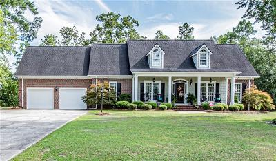 Fayetteville Single Family Home For Sale: 815 Three Wood Drive