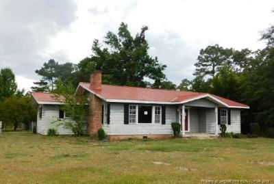 Sampson County Single Family Home For Sale: 4690 Roseboro Highway