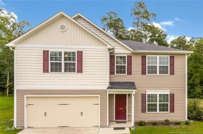 Johnston County Single Family Home For Sale: 104 Larksdale Cove