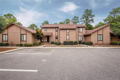 Fayetteville Condo/Townhouse For Sale: 6714 Irongate Drive #B