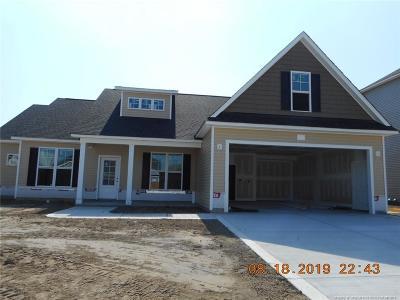 Fayetteville Single Family Home For Sale: 335 Whitestone Drive