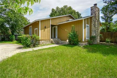 Fayetteville Single Family Home For Sale: 2601 Fashion Lane