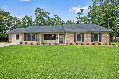Raeford Single Family Home For Sale: 311 Woodberry Circle