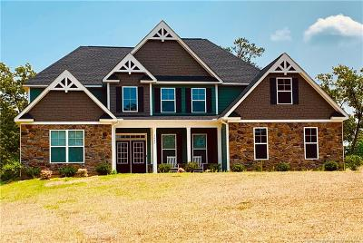 Fayetteville Single Family Home For Sale: 3625 Heartpine Drive