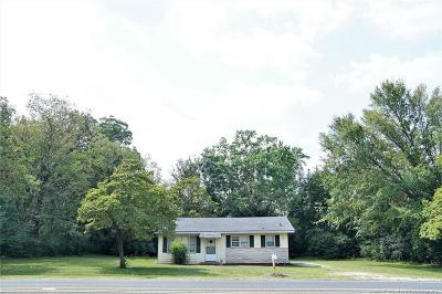 Fayetteville Single Family Home For Sale: 2410 John Smith Road
