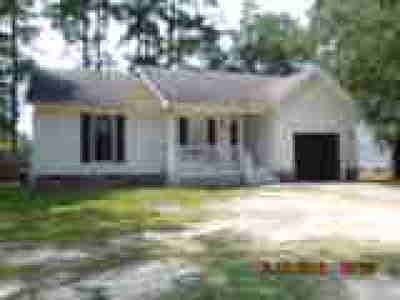 Fayetteville Single Family Home For Sale: 1824 Geiberger Drive