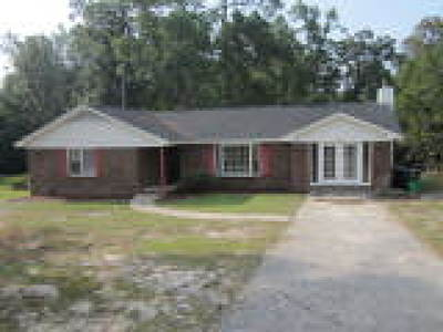 Fayetteville Single Family Home For Sale: 634 Galloway Drive