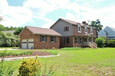 Goldsboro Single Family Home For Sale: 210 Maplewood Dr.