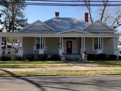 Mt Olive Single Family Home For Sale: 405 W Main St.