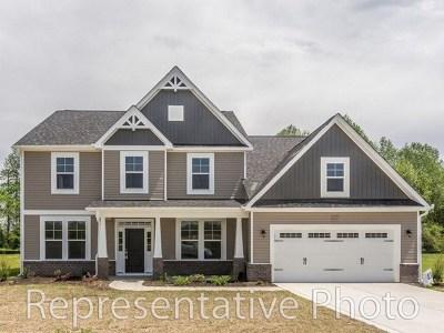 Princeton Single Family Home For Sale: 210 Artesa Dr.