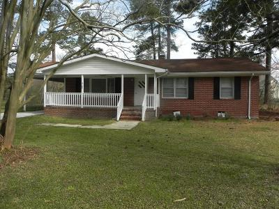 Goldsboro Single Family Home For Sale: 305 Woodview