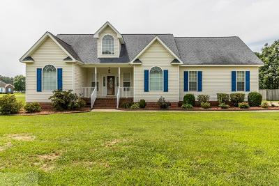 Goldsboro Single Family Home For Sale: 422 Hunters Creek Drive