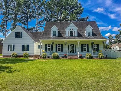 Goldsboro Single Family Home For Sale: 302 Hunters Creek Dr