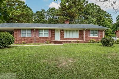 Pikeville Single Family Home For Sale: 1421 Airport Rd.