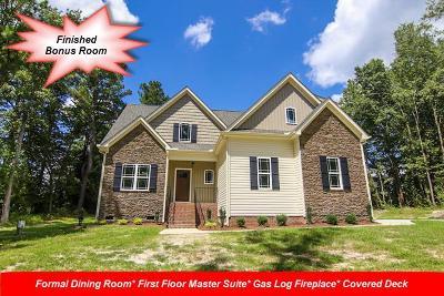 Princeton Single Family Home For Sale: 214 Eagles Crest Lane