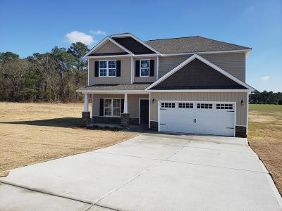 Goldsboro Single Family Home For Sale: 102 Bay Hill Dr