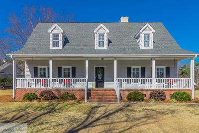 Goldsboro Single Family Home For Sale: 105 Twin Oaks Pl