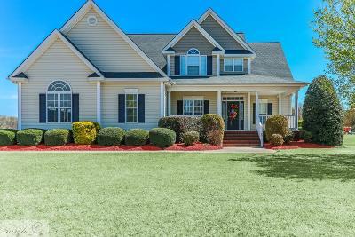 Goldsboro Single Family Home For Sale: 110 Brighton Drive