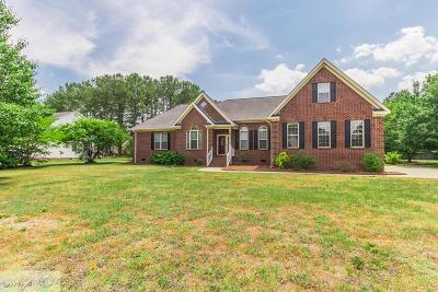 Goldsboro Single Family Home For Sale: 405 Hunters Creek Dr