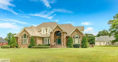 Goldsboro Single Family Home For Sale: 205 E April Lane