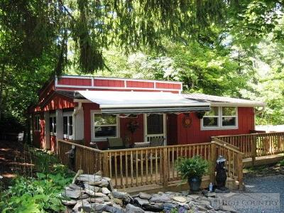 Avery County Single Family Home For Sale: 71 Whispering Pine Loop