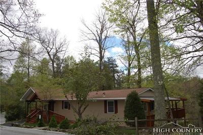 Avery County Single Family Home For Sale: 278 Knoll Circle